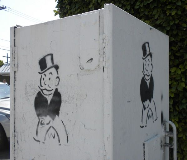 street-art-by-alec-monopoly-man-two