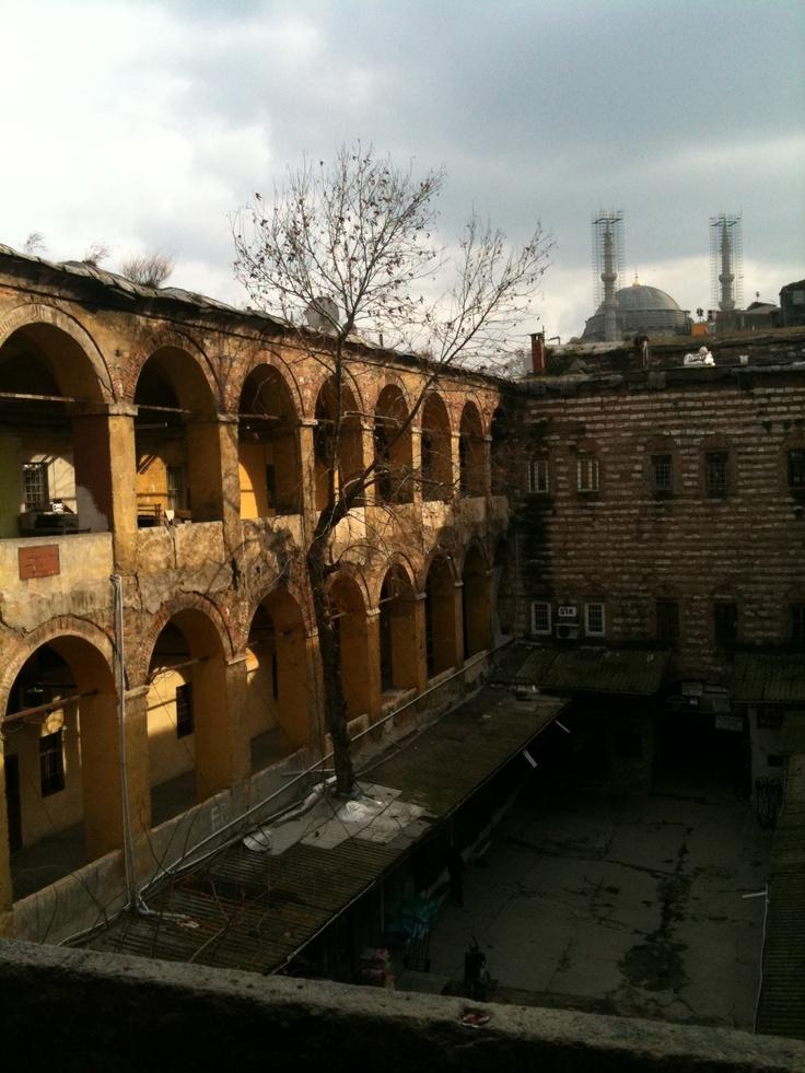 Büyük Yeni Han . İstanbul   www.ozlemtuna.com