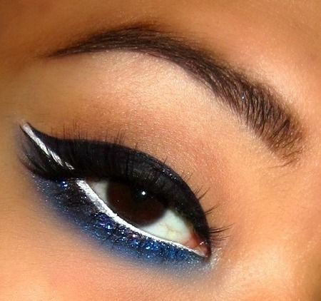Navy Blue Double Winged Liner with Glitter http://www.makeupbee.com/look_Navy-Blue-Double-Winged-Liner-with-Glitter_34146
