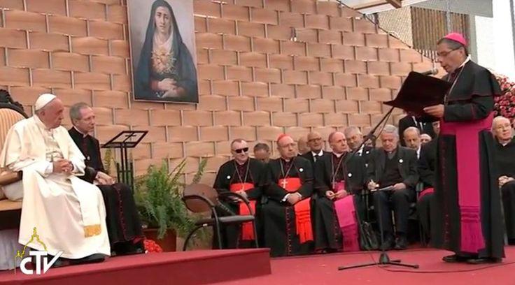 El Obispo de Loja y Presidente de la Comisión Episcopal de Educación y Cultura, Mons. Alfredo José Espinoza Mateus, defendió el derecho a que la enseñanza religiosa haga parte del currículo básico de las escuelas del país.