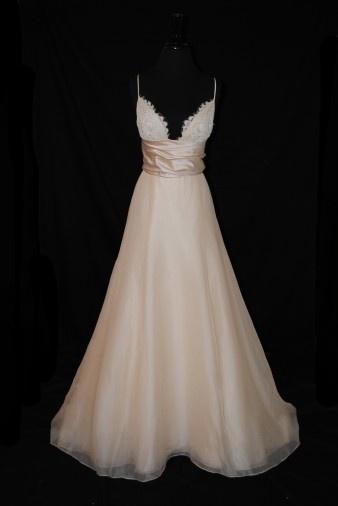 LOVE: Pretty Dresses, Ideas, Bali, Wedding Dressses, Lace Tops, Dreams Wedding Dresses, Wedding Gowns, The Dress, Dreams Dresses
