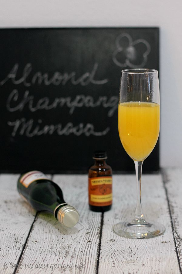 Almond champagne mimosa for #MimosaSaturday! Add a special flavor to your mimosa with almond extract.