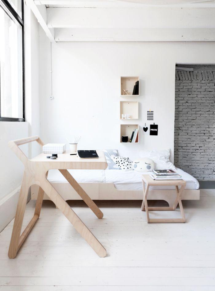 Bonito estilo de muebles en madera / desk and a teen bed from Rafa-kids