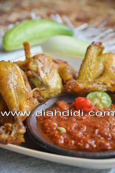 Diah Didi's Kitchen: Ayam Goreng Kunyit Plus Sambal Dadak