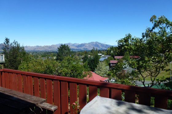 27 ON ALPINE.  Amazing Al-Hanmer Springs-Bach or holiday home