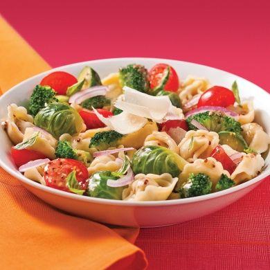 Salade de tortellinis aux légumes - Soupers de semaine - Recettes 5-15 - Recettes express 5/15 - Pratico Pratique