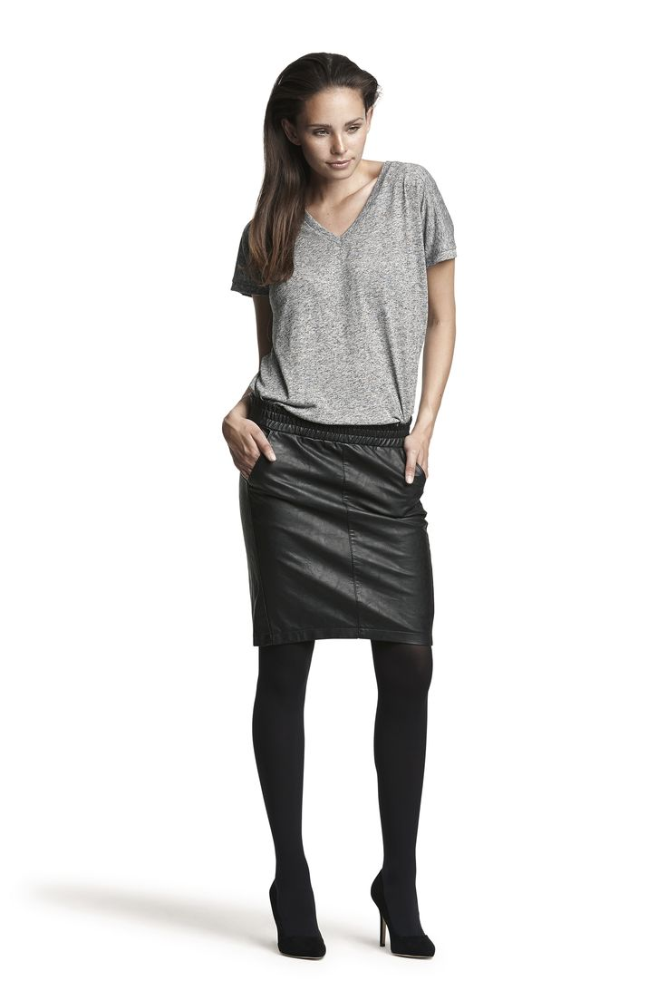 Gabby tee, Glossy skirt and Gipsy pantyhose #black #grey #fashion #leather #look #vneck  #basic #AW15
