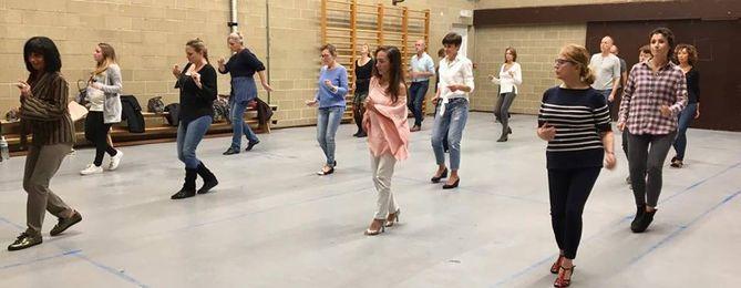 Stage de danse de Cha-cha-cha en solo pour tous