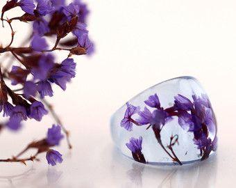 Purple flower resin ring Botanical pressed flower by Neraidas