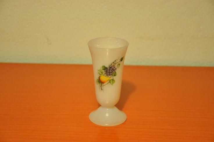 Arcopal small milkglass vase (rare). Fruits de France pattern.