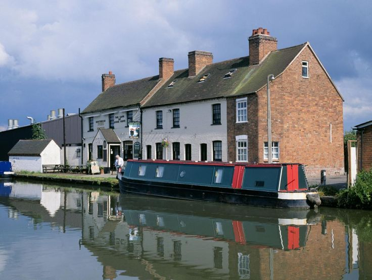 Canal boat holidays: 10 great journeys on British waterways - in pictures - Travel