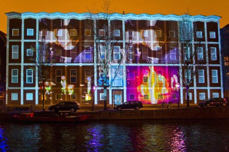 Le foto del Festival delle luci ad Amsterdam - Il Post