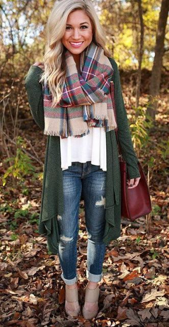 This super cute plaid scarf goes perfect with this green cardigan!