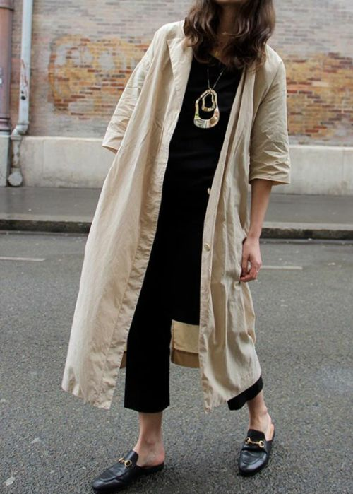 Loose duster coat / Long cream jacket / Photo (Fondly and Affectionately) | Black loafers |