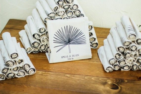 Tote bag wedding favors : Real Wedding :: Amelia and Julian
