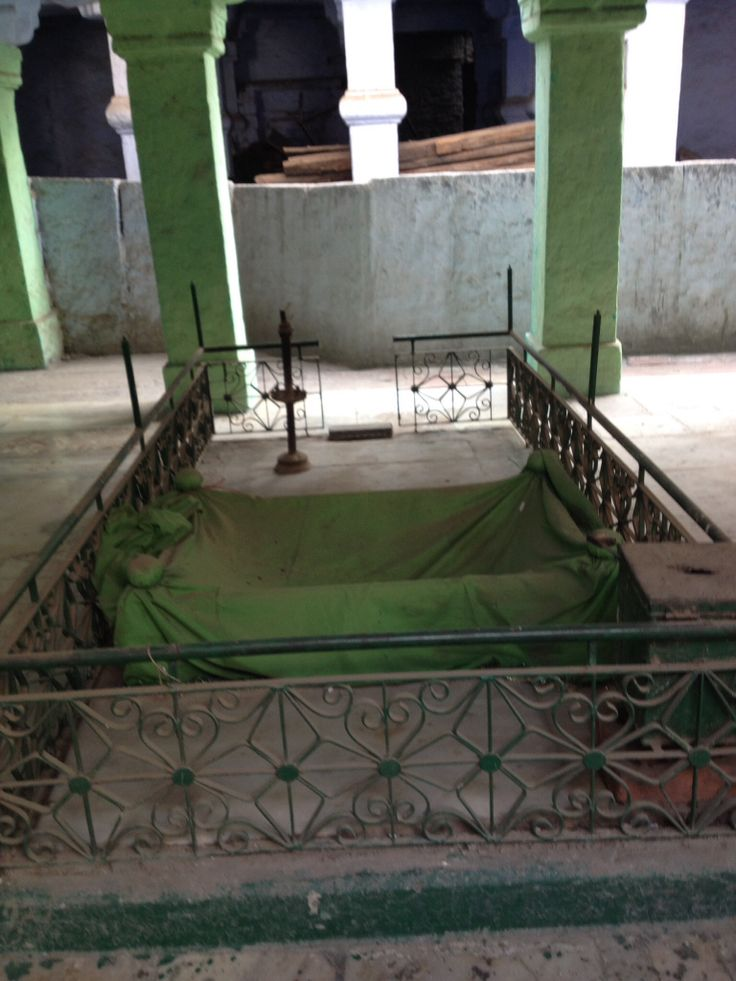 The grave of Fateh Khan, Feroz Shah Tughlaq's son in Qadam Sharif