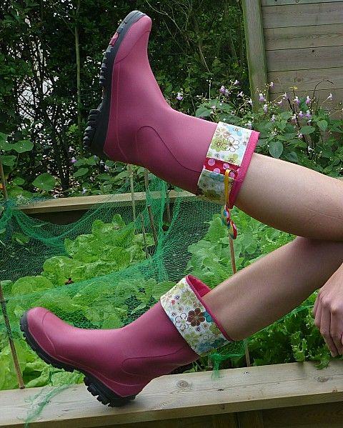D.I.Y: guêtres pour bottes. Des bottes oui, mais colorées et customisées.