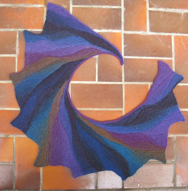 Knitted Pattern For Wingspan Scarf : Wingspan - shawl/wrap free pattern on Ravelry. Striking when made w/ yarn w/ ...