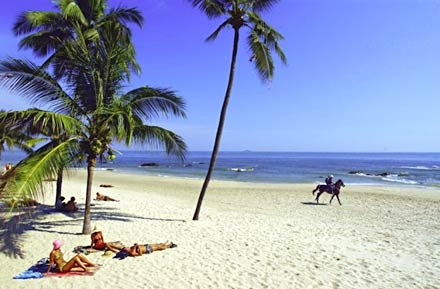Hua Hin (Thai: หัวหิน,) is a famous beach resort town in Thailand, in the northern part of the Malay Peninsula, some 200 km south of Bangkok. It has a population of 84,883 in an area of 911 km, and is one of eight districts (Amphoe) of the Prachuap Khiri Khan province. Hua Hin is closely associated with the Thai royalty. Merely 25 kilometers apart, Hua Hin in Prachuap Khiri Khan province enjoys a wealth of satellite attractions; prominent among them are national parks and historical cities.