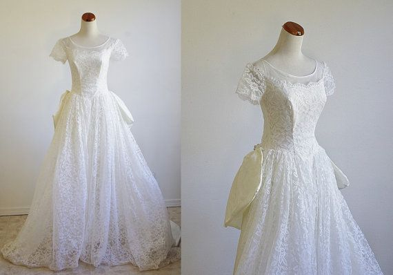 Vintage Wedding Dress  White Lace Wedding Dress  by mituvintage, $188.00
