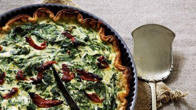 Spinattærte med ricotta –tilsætte også bacon for at få den helt op og ringe!...