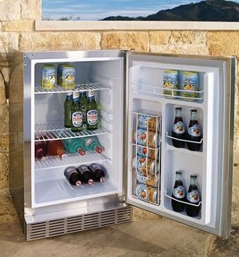 Keep beverages cold, ingredients fresh, and desserts perfectly chilled while you cook outdoors with this Lynx Outdoor Refrigerator.Outdoor Dreams, Outdoor Living, Lynx Outdoor, Outdoor Parties, Outdoor Stuff, Outdoor Spaces, Gardens Design, Outdoor Design, Outdoor Refrigerators