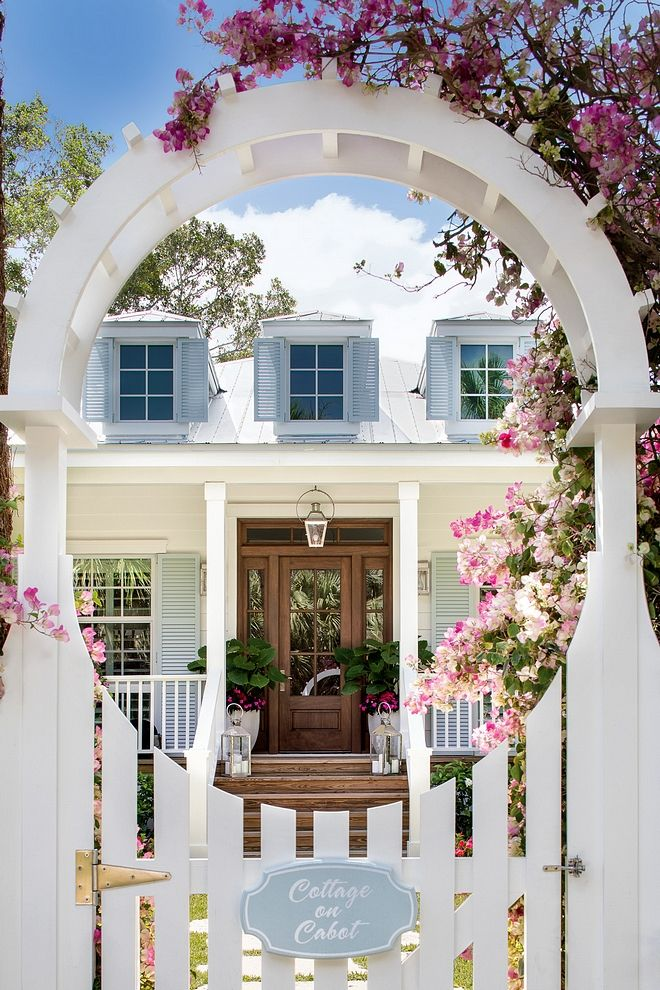 Cottage Cottage Curb Appeal You start falling in l…
