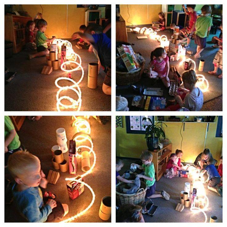 Rope light play - Elder Street Early Childhood Centre ≈≈ http://www.pinterest.com/kinderooacademy/light-shadow-reflection-play/