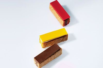 フォションの日本限定「ダックワーズ アソルティー」仏伝統菓子をスティック型に、バニラマンゴーなど