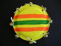 Easy tamborine. Paper plate craft.   busybeekidscrafts.com - make when we learn abt worship
