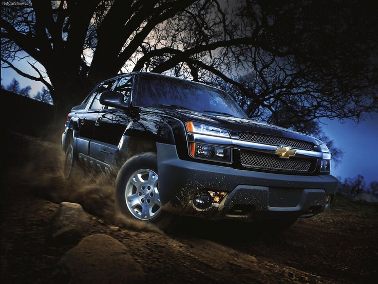 2016 Chevy Avalanche front view pictures