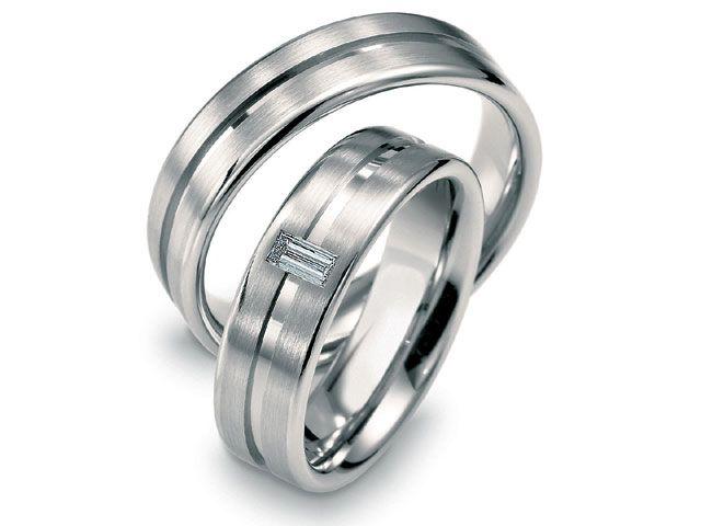 Fabricamos argollas de matrimonio, ya escogiste el diseño para tu matrimonio?... En Duran Joyeros, Bogotá. fabricamos el diseño que tu elijas
