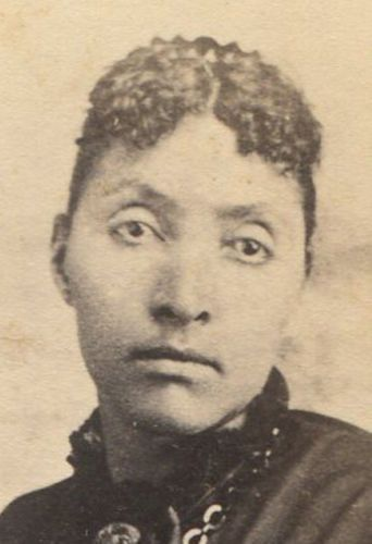 BEAUTIFUL-AFRICAN-AMERICAN-WOMAN-WITH-SOFT-CURL-BANGS-CDV-ALBANY-N-Y