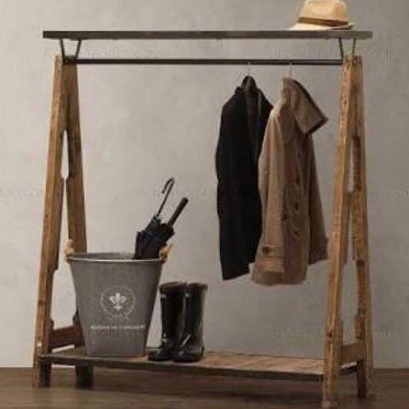 """--- Jualan baju? Punya butik? Perlu rak gantungan baju yang menarik? --- Silahkan langsung hubungi kami! --- Rak (kode : G-001) --- Ukuran : panjang 120 cm tinggi 150 cm lebar 30 cm --- Excluded baju, topi dan aksesoris lainnya --- Bahan kayu dan papan meranti Finishing natural (sanding) --- Harga : Rp. 1.050.000 --- Ongkos kirim untuk wilayah Medan gratis --- """"Gambar ini merupakan referensi dari mbak karin, terima kasih mbak karin (gak bisa nge-tag, gak tau ID IG-nya)"""" --- #raftorigin…"""