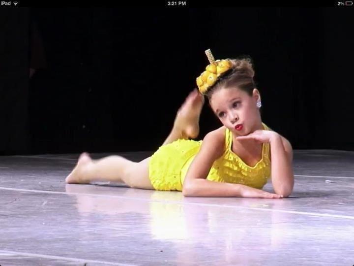 Mackenzie Ziegler in 'L-E-M-O-N-A-D-E' solo
