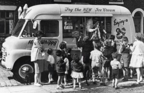 Mr Whippy commenced operations in Australia in 1962.The company's operation in Australia continued until the mid 1970s,after which the mobile fleet was sold to private operators.Approximately 200 UK built Commer Karrier vans were imported to Australia.