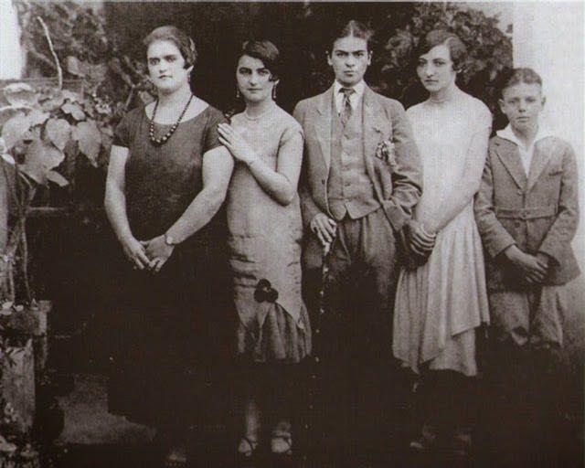 Foto di Frida Kahlo bambina 7