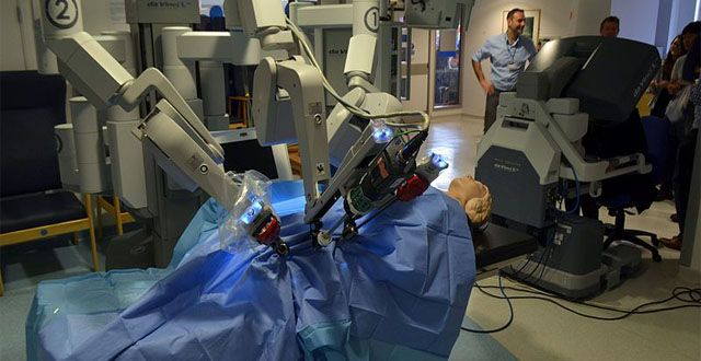 Researchers at the University of Washington in Seattle have just hijacked a teleoperated surgical robot, demonstrating major security weaknesses in the machines that may eventually replace a surgeon's hands in hospitals worldwide. Yikes.