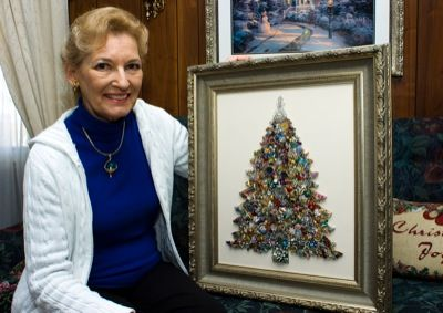 How to make a Christmas tree with vintage jewelry