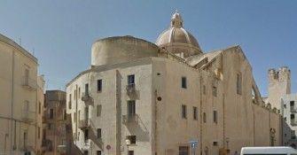 """Arrestato il capo della Caritas """"Sesso in cambio dello status"""""""