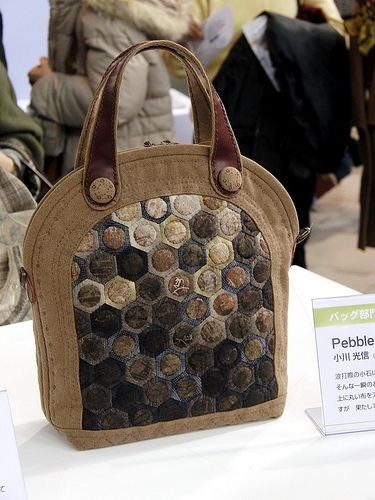 Hexagon Bag with Appliqued Circles.  2009 Tokyo International Quilt Festival.  Photo by Robots-Dreams, via Flickr