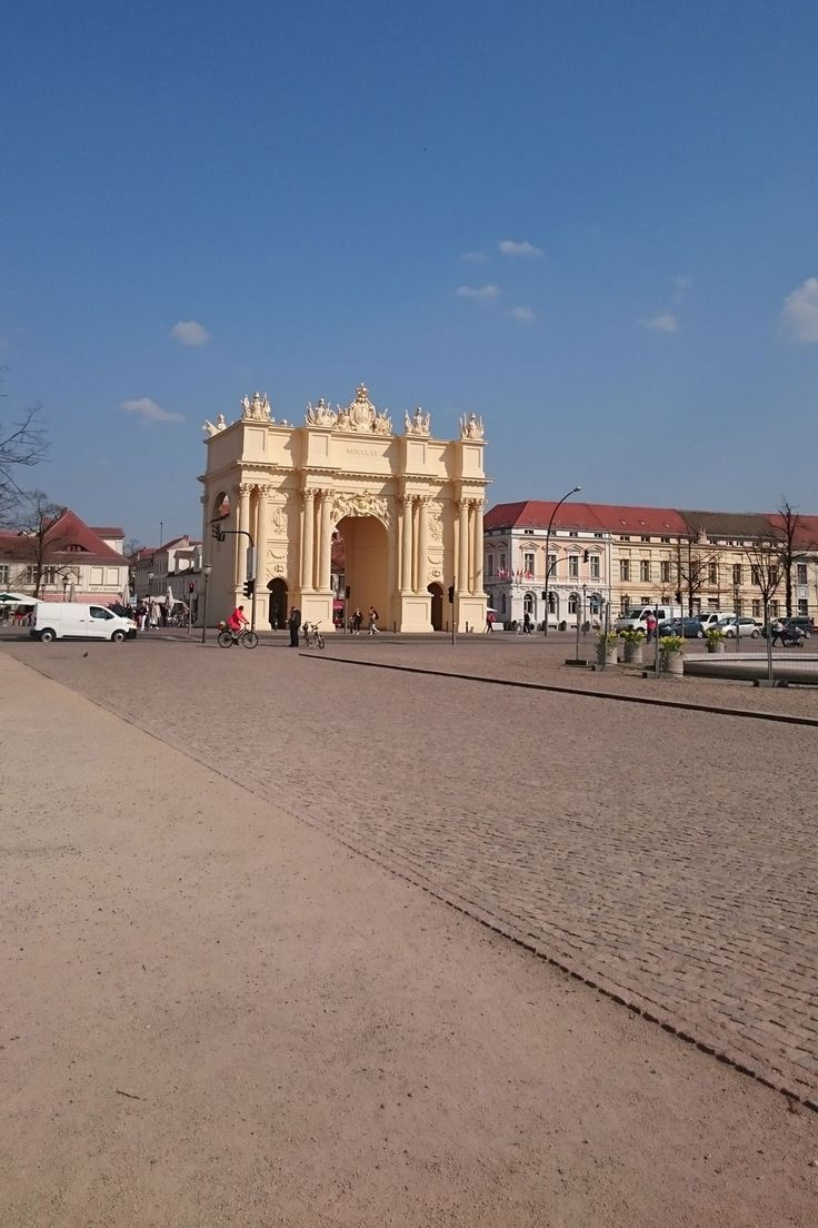 The Brandenburg Gate In Potsdam Is Smaller Than The One In Berlin But Indeed It S The Original One Much Older Than The Berlin Br Berlin Urlaub Reisen Potsdam