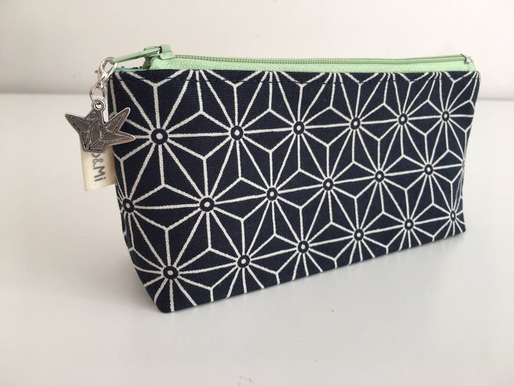 Notions Pouch, Navy case by MoAndMi on Etsy https://www.etsy.com/au/listing/520804218/notions-pouch-navy-case