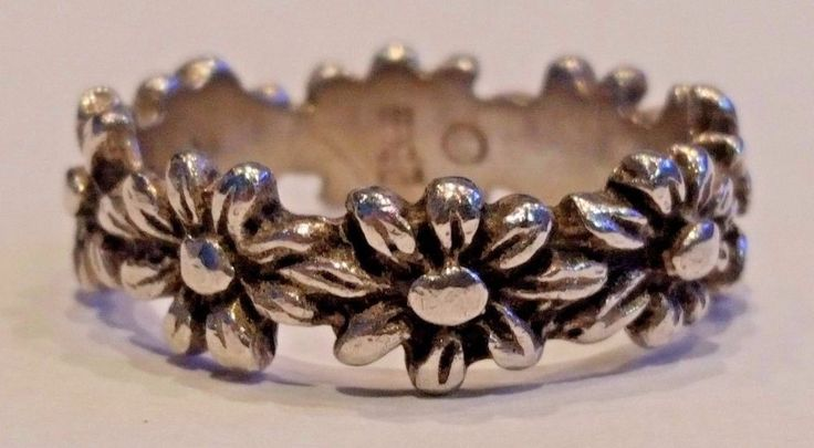 Retired James Avery Margarita Flower Ring Band Sterling Silver Size 6 #JamesAvery #Band