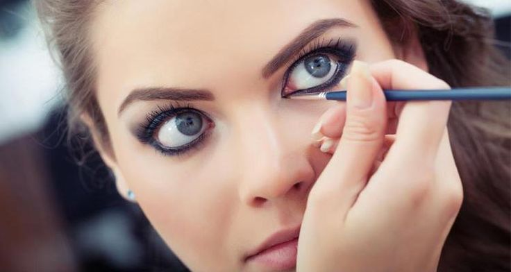 Fall is just around the corner with new beauty trends. So, here we have step by step fall eye makeup tutorials to guide you to get the look you desire.