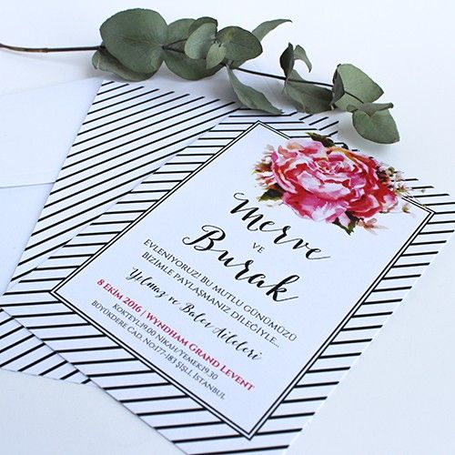 Siyah beyaz çizgili çiçekli düğün davetiyesi