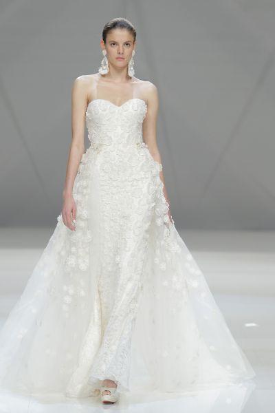 Vestidos de novia escote corazón 2017: 30 magníficos diseños que te harán soñar Image: 17