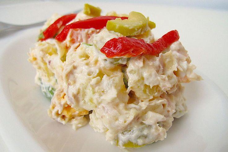 Os voy a contar algunas curiosidades sobre el origen de la receta de ensaladilla rusa. Además os muestro como preparar en el Varoma de la TMX mi versión de esta ensalada de patata.