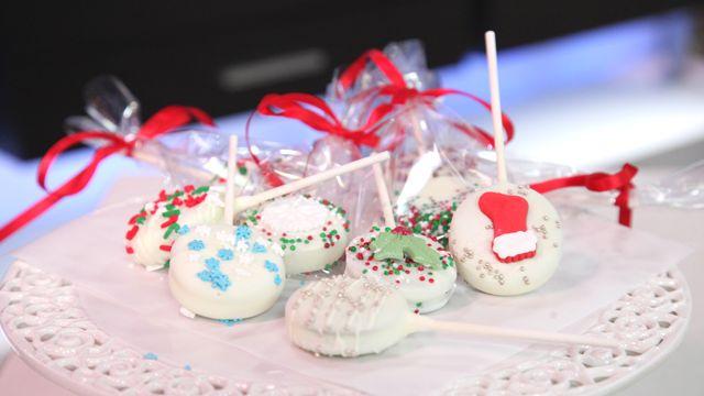RECIPE: Sandwich Cookie Pops #Baking #Recipe #Christmas
