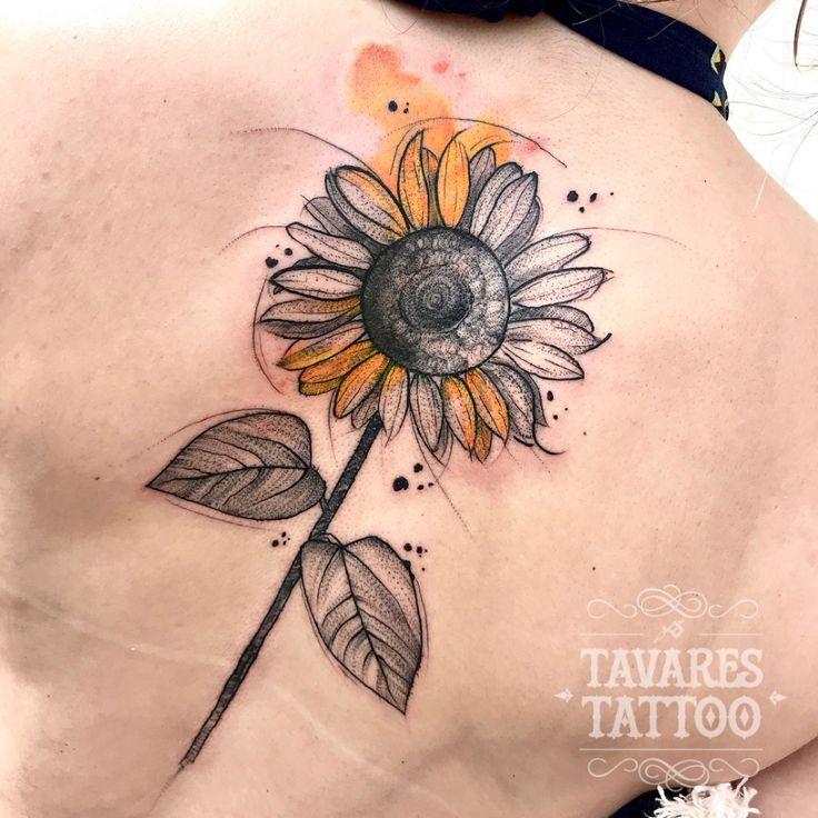 Girassol: conheça a flor da felicidade! - Blog Tattoo2me   Tatuagem girassol aquarela, Tatuagens de girassol, Tatuagem girassol pequeno